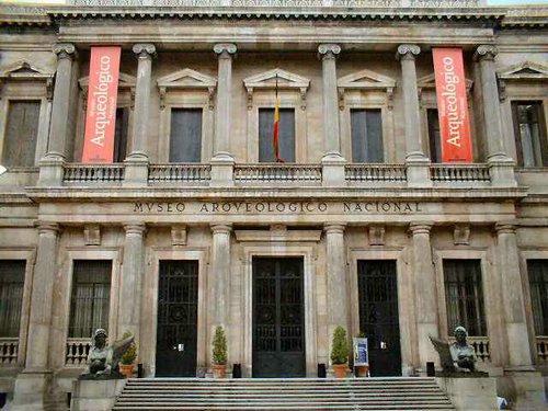 El Museo Arqueológico Nacional abre sus puertas al público > Hermandad de ...